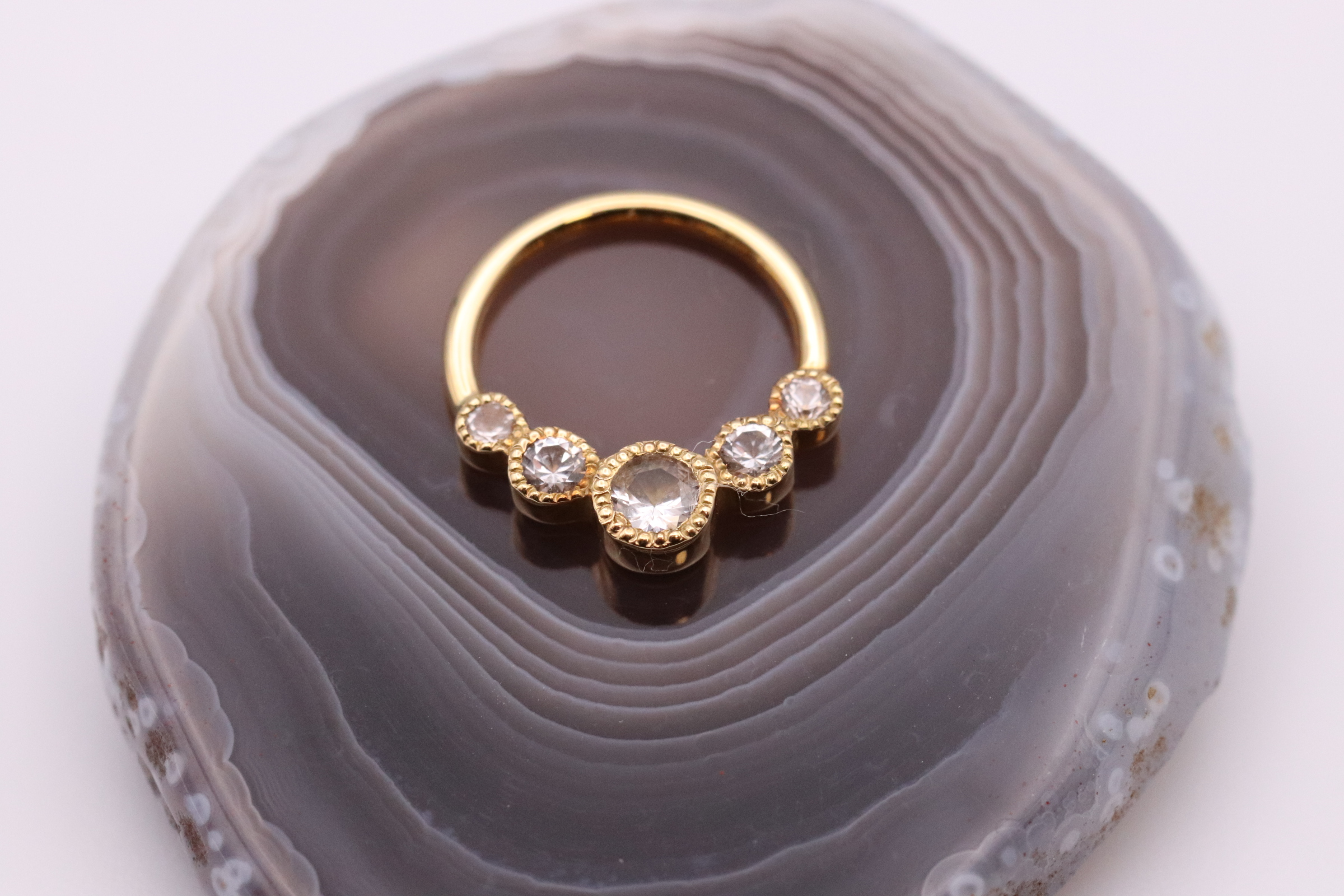 Handmade 18ct Gold Surya Seam-Ring